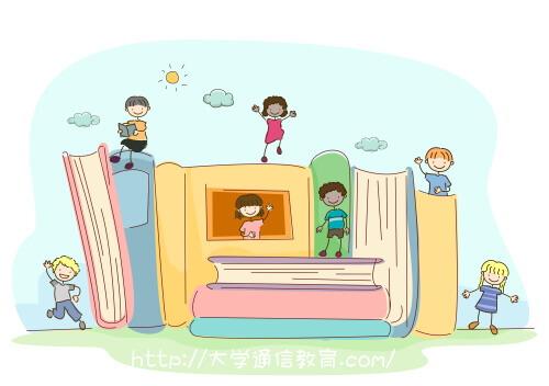 学校の図書館で遊ぶ小学生。司書と司書教諭の違い。