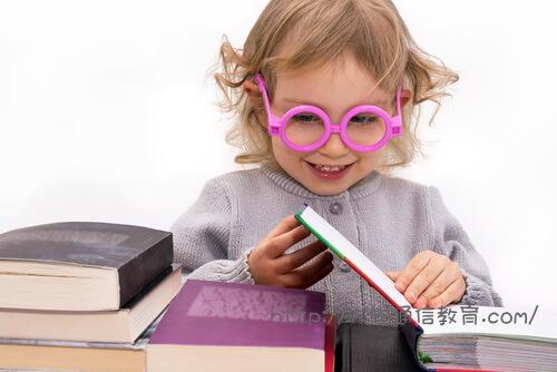 読書が大好きなので図書館も好き。専門学校卒業の学歴から司書を目指す